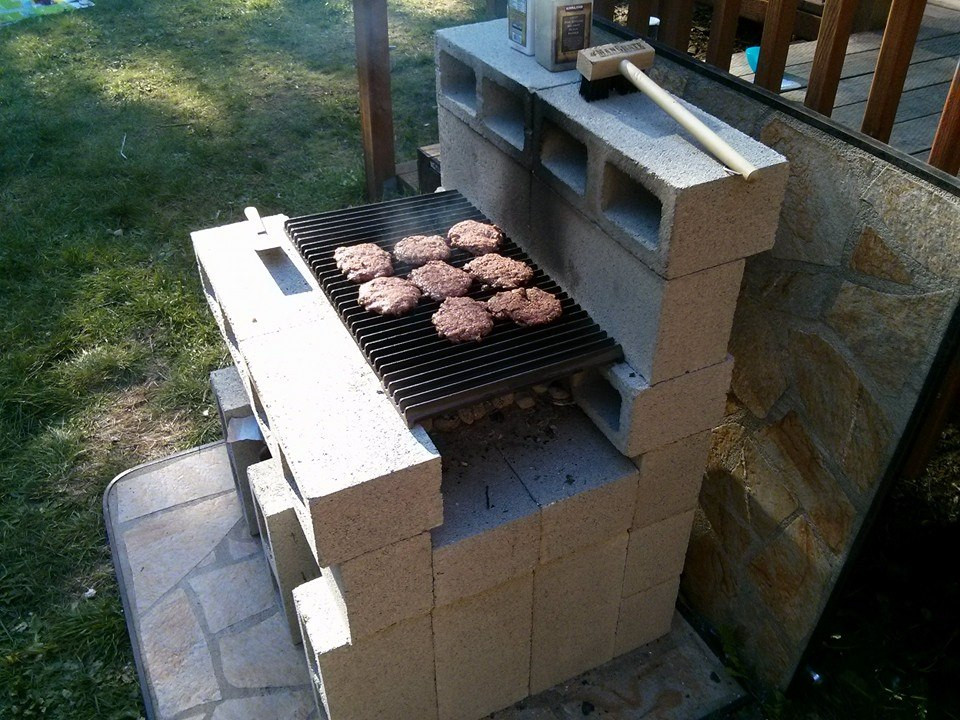 DIY Cinder blocks Barbecue Grill