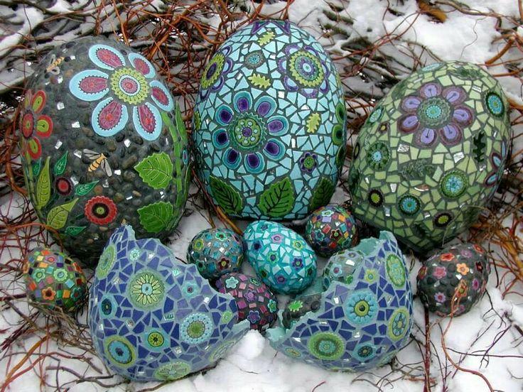 Beautiful DIY Mosaic Garden Decor Ideas You Need to See - Decor ...
