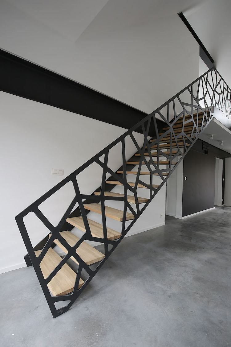 Garde Corps Metal Design geometric staircase design for spectacular house look