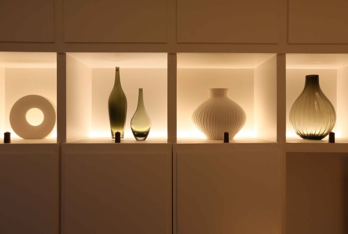 Led Light Shelves To Create Incredible Display Decor Inspirator