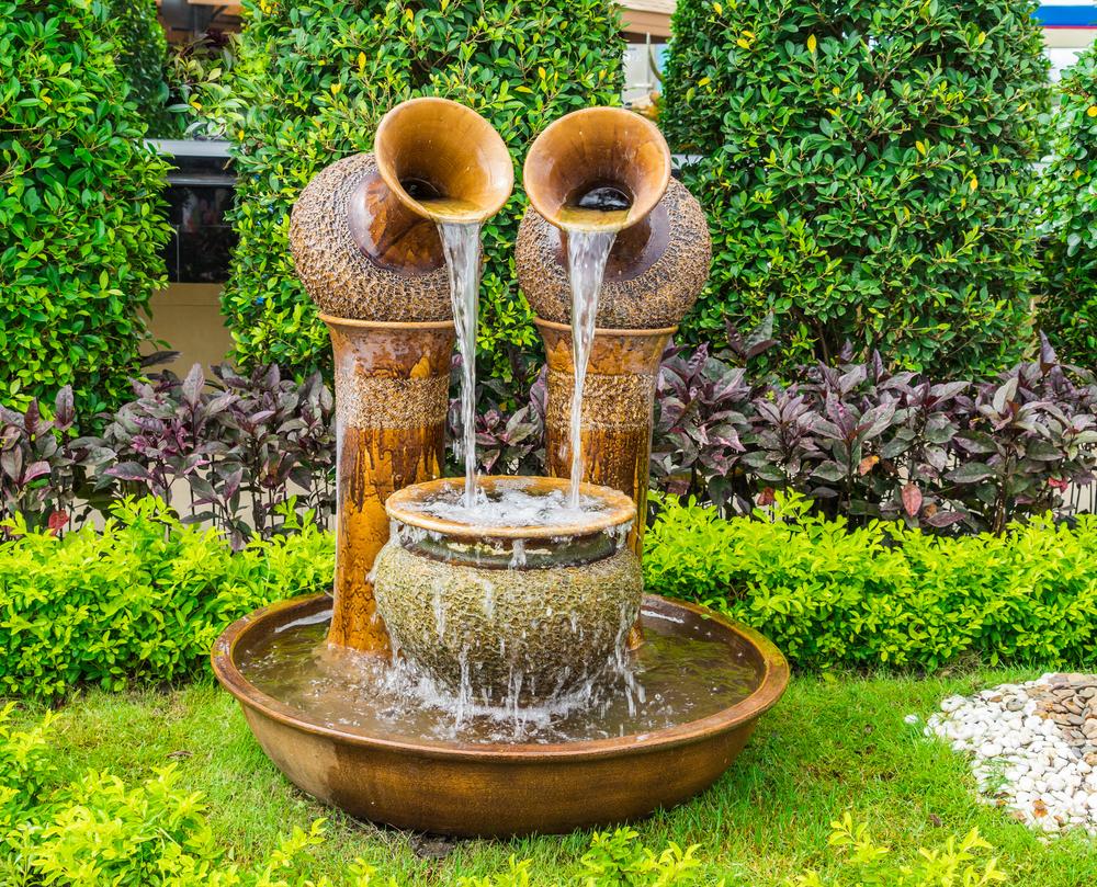 Outdoor Water Fountains For Modern Backyard - Decor Inspirator