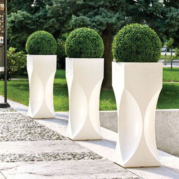 modern tall flower pots