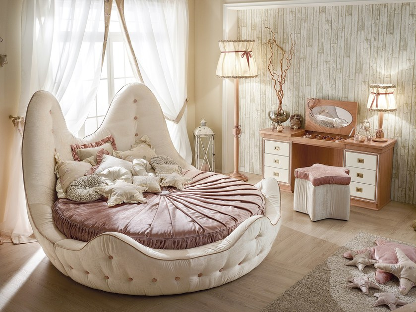 round bed with unique shape