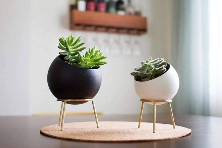 circular flower pots