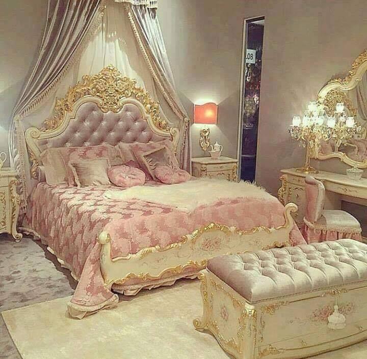 vintage pink room