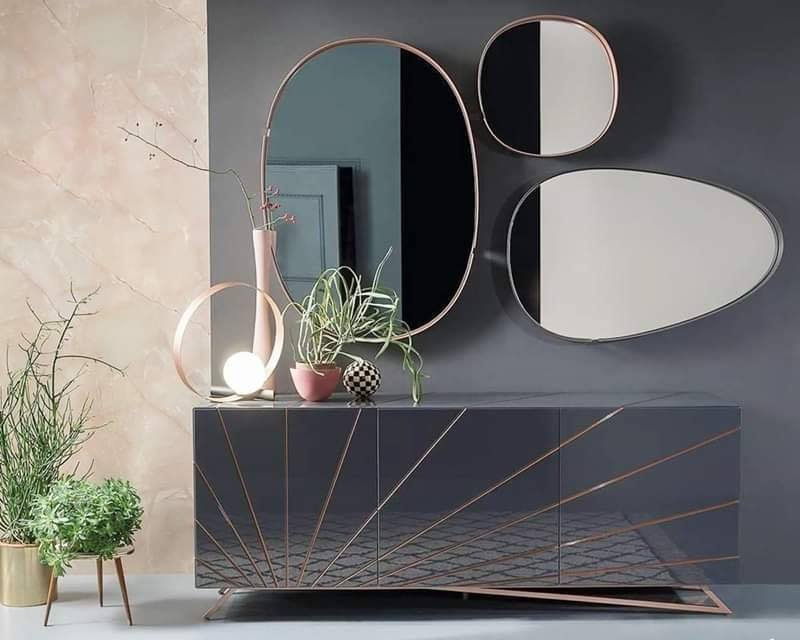 console table and mirror