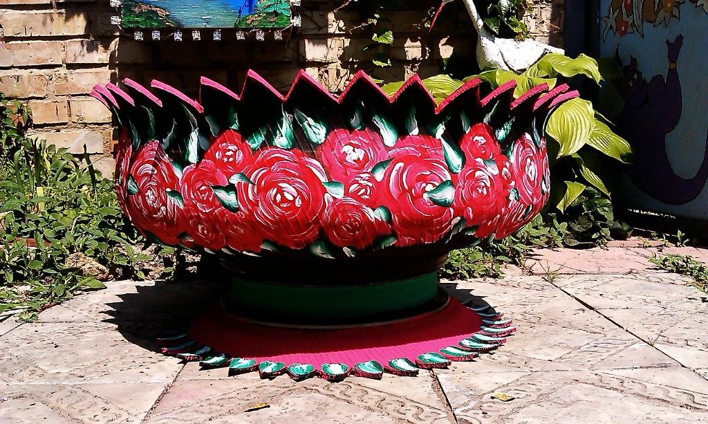 tires vase