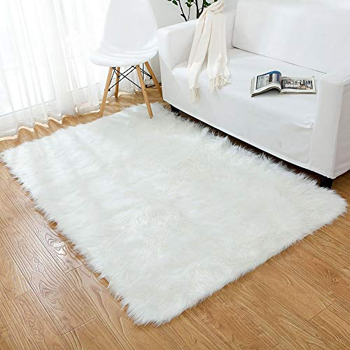 modern rug as decorative elements